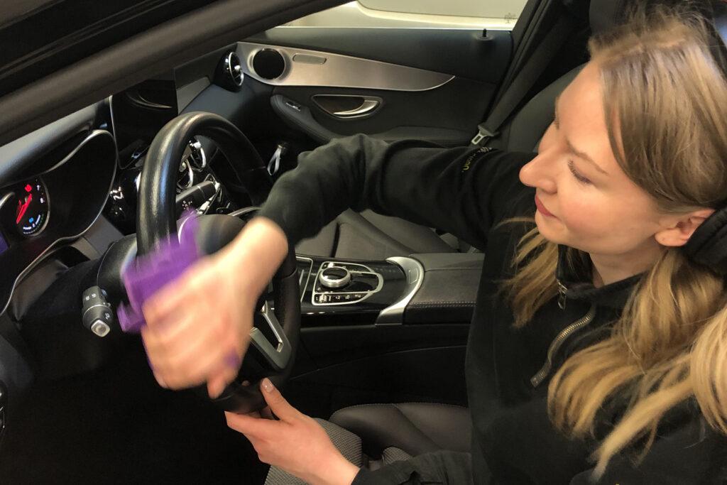 Jessica Möller, Bilförädlingstekniker & Shop Manager på MrCAP