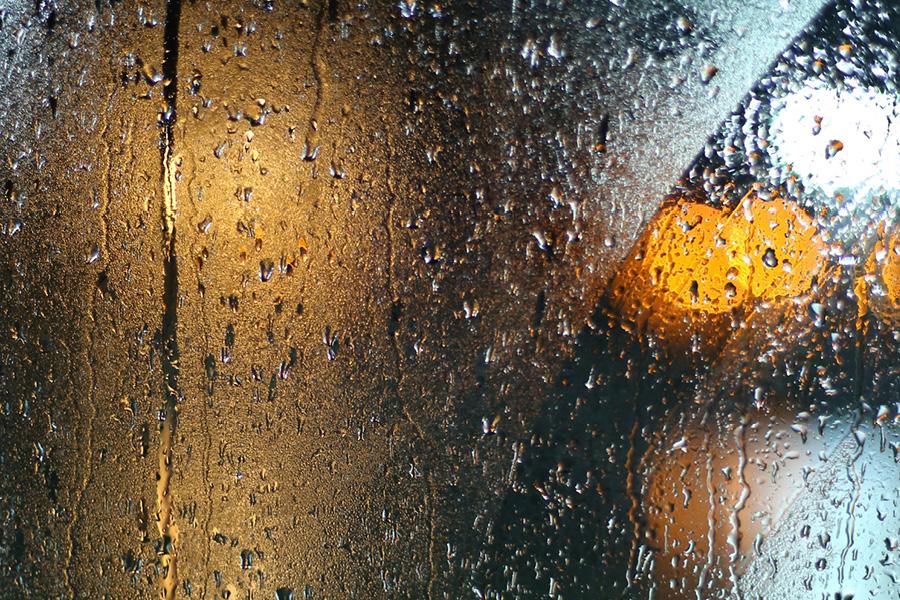 Mörka kvällar, regn och rusk försämrar sikten avsevärt under hösten