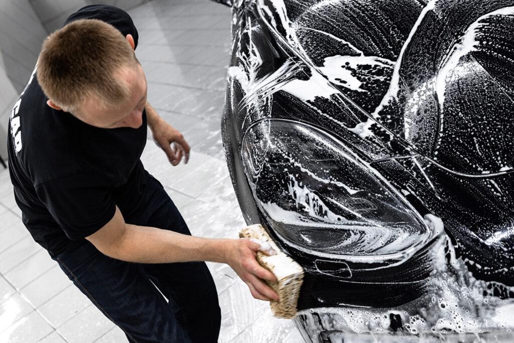 Att tvätta en bil